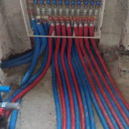 impianto-idraulico-bagno-di-servizio-e-padronale-con-collettori
